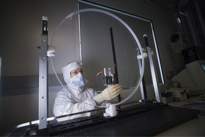 Measuring the peak anti-reflective wavelength on a PEPC window.