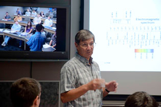 Walter Shmayda lecturing at 2010 high school summer program
