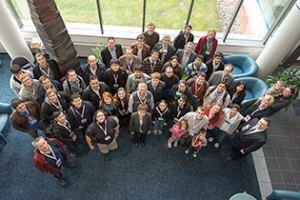 Attendees of 2012 OSA and APS meetings tour