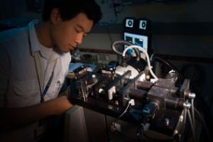 Harvest Zhang working on cryogenic targets